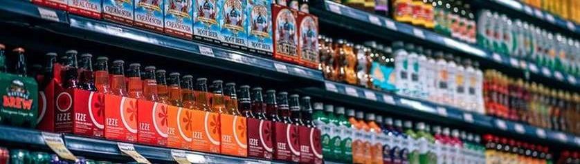 beverages-im Regal retuschiert
